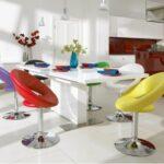 renkli mutfak sandalyesi