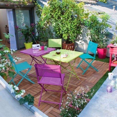 renkli balkon masa ve sandalye takımı