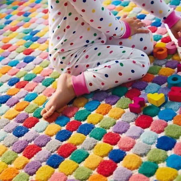 renkli çocuk halısı modeli