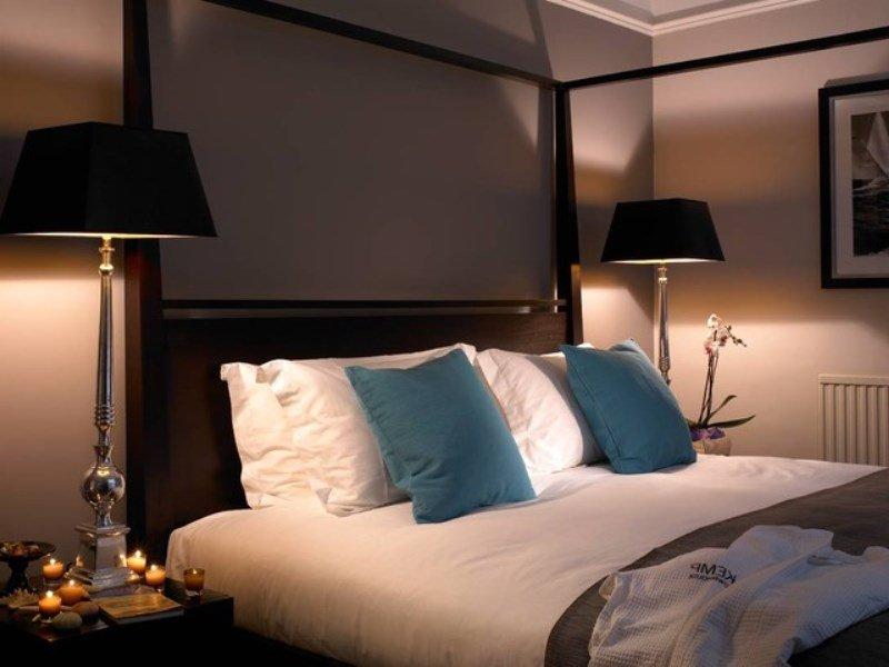 yatak odası baş ucu abajurları